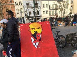 Lénine aux puces